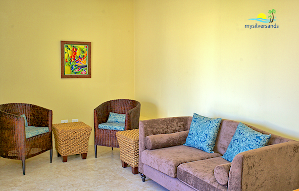 lounge area of bedroom 5