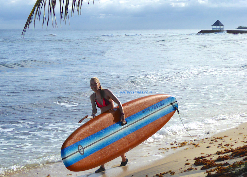 paddle board is easy to carry
