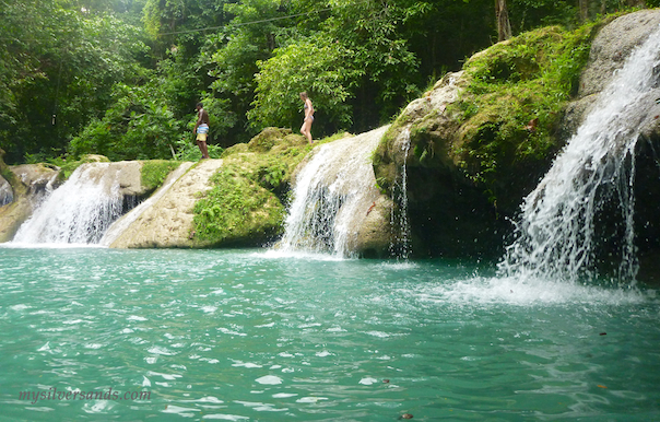 blue hole waterfalls in ocho rios jamaica