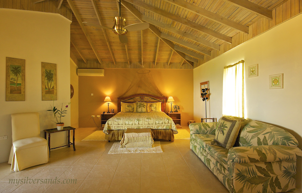 grand master bedroom of blue moon villa in silver sands jamaica