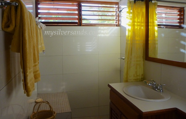 bathroom 3 en suite at roots cottage silver sands jamaica